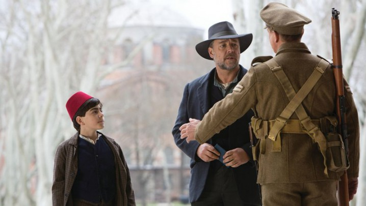 Crowe sports a fedora in THE WATER DIVINER