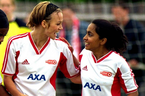 Knightley and Nagra in BEND IT LIKE BECKHAM