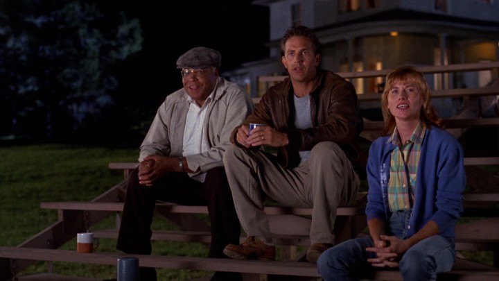 James Earl Jones and Kevin Costner with Amy Madigan in FIELD OF DREAMS