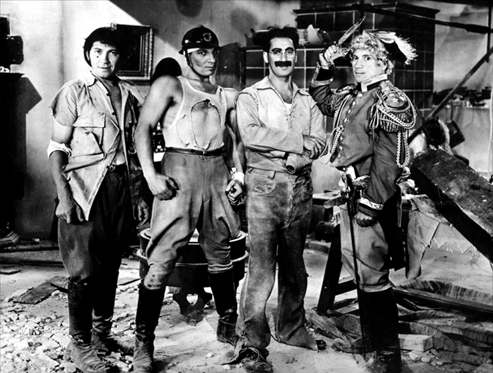 fc-14-Groucho-Marx-Duck-Soup