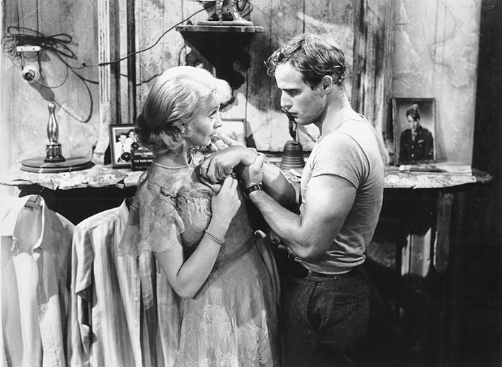 blanche dubois as the representation of the faded grandeur of the american in a streetcar named desi